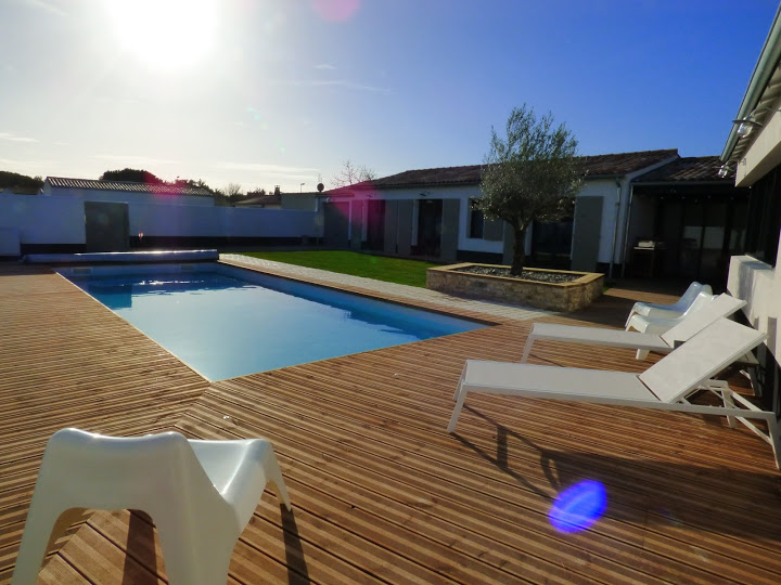 Location ile de r le bois plage en r belle maison d for Prix piscine 5x10