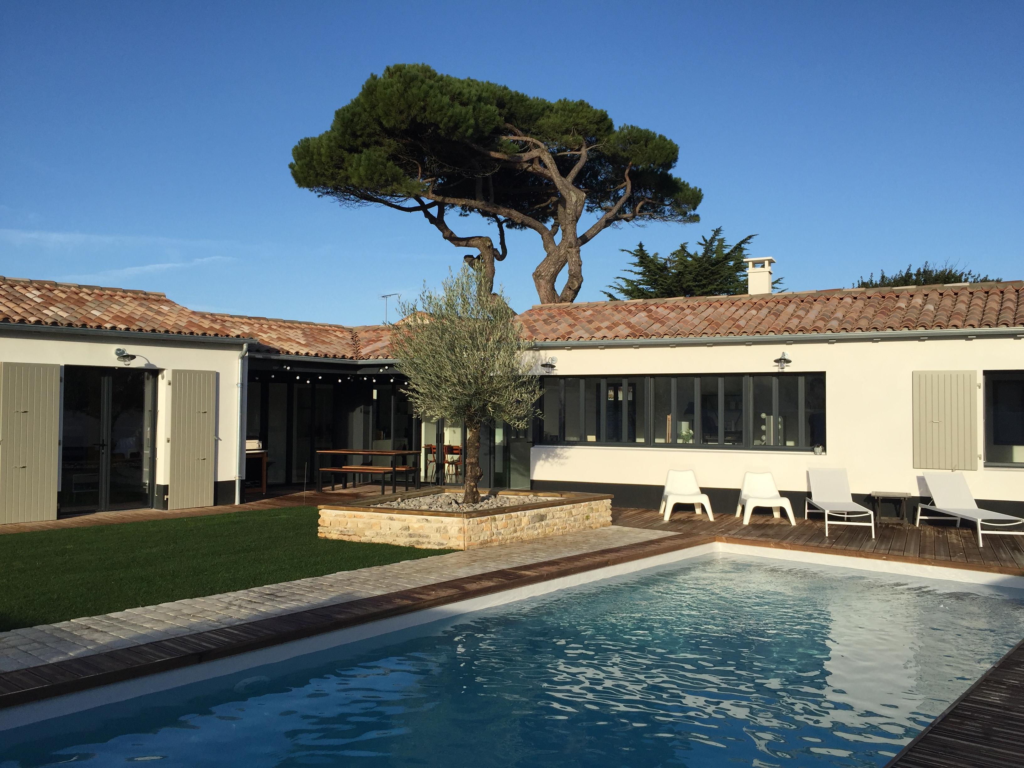location ile de r le bois plage en r belle maison d. Black Bedroom Furniture Sets. Home Design Ideas