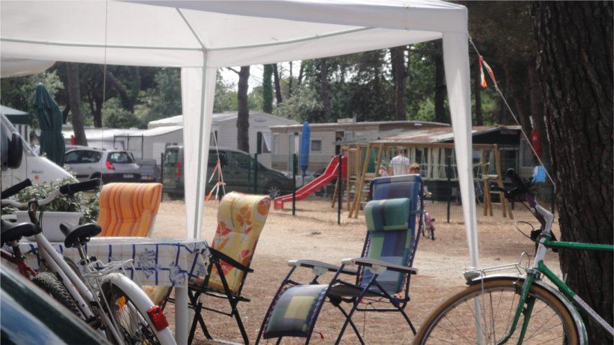 location ile de r le bois plage en r camping les barjottes easy r. Black Bedroom Furniture Sets. Home Design Ideas