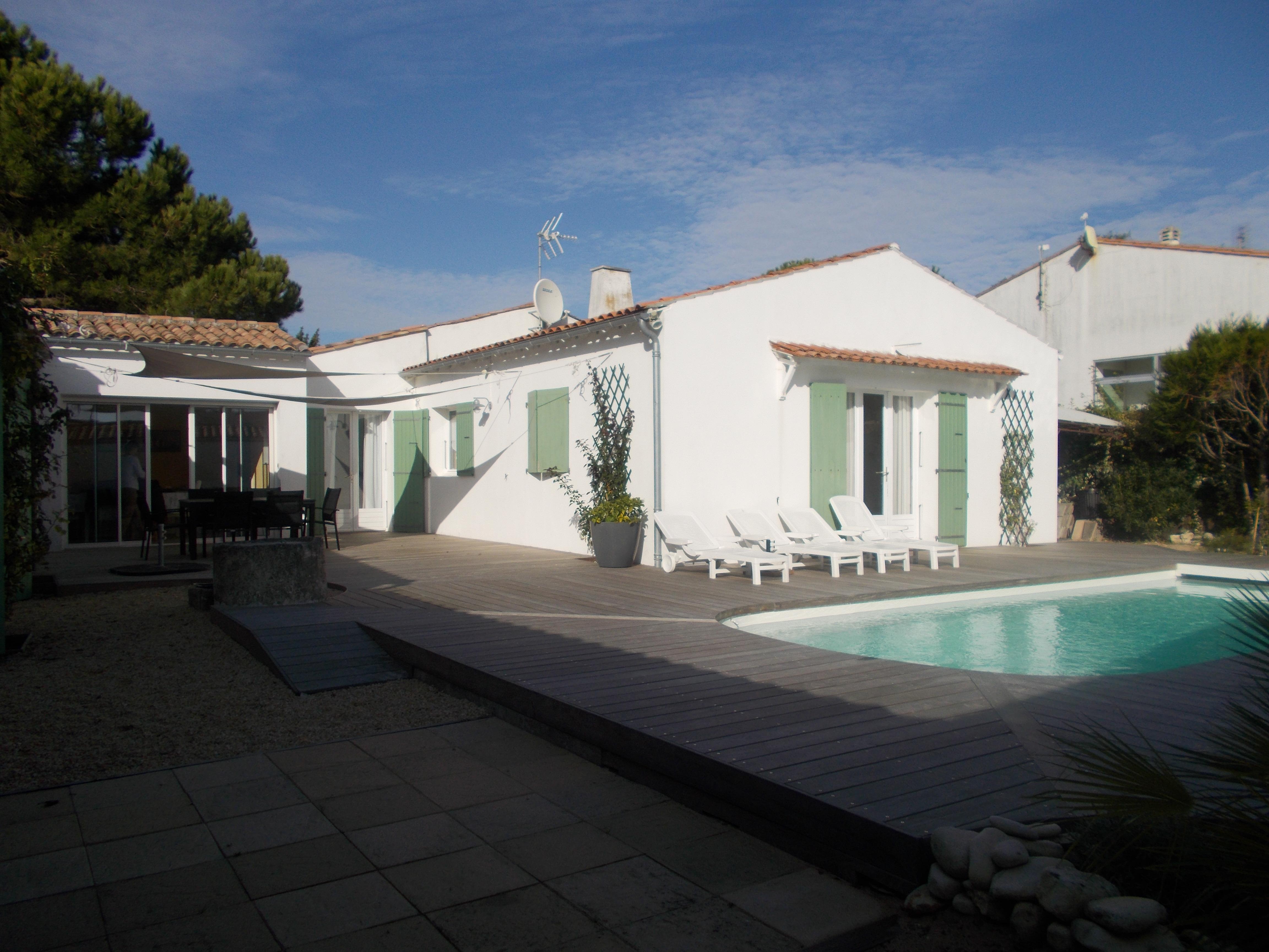 location ile de r rivedoux plage ferienhaus f r 8 10 personen mit swimmnig pool easy r. Black Bedroom Furniture Sets. Home Design Ideas