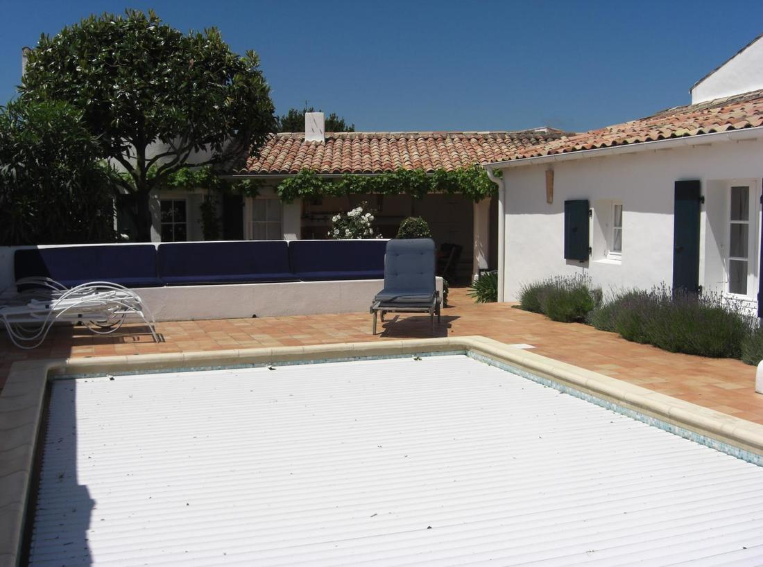 Location ile de r loix en r superbe maison de charme for Location villa ile de re avec piscine