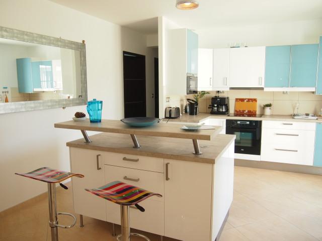 location ile de r les portes en r les portes en re plage de la loge disponible juillet et. Black Bedroom Furniture Sets. Home Design Ideas