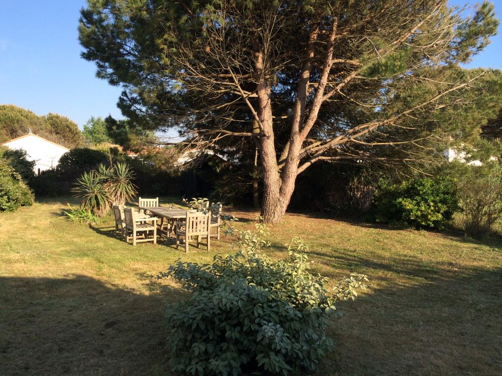 location ile de r le bois plage en r belle villa proximit de la plage des gollandi res. Black Bedroom Furniture Sets. Home Design Ideas